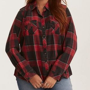 Torrid black and white plaid Camp shirt